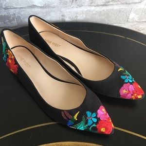 Nine West Obedience Embroidered Flat Size 9M